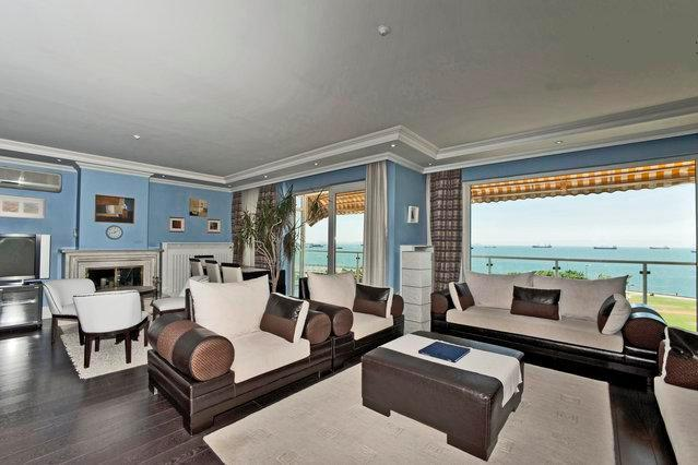 FULL SEA VIEW LIVING ROOM  WITH LARGE TERRACE