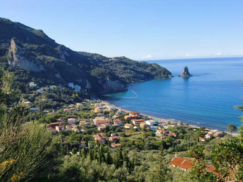 Cozy studio for two near the beach center, holiday rental in Dafnata