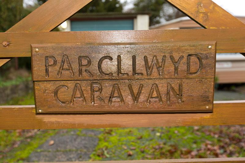 Parcllwyd Caravan in Semi Rural Pembrokeshire, new modern Caravan, holiday rental in Cilgerran