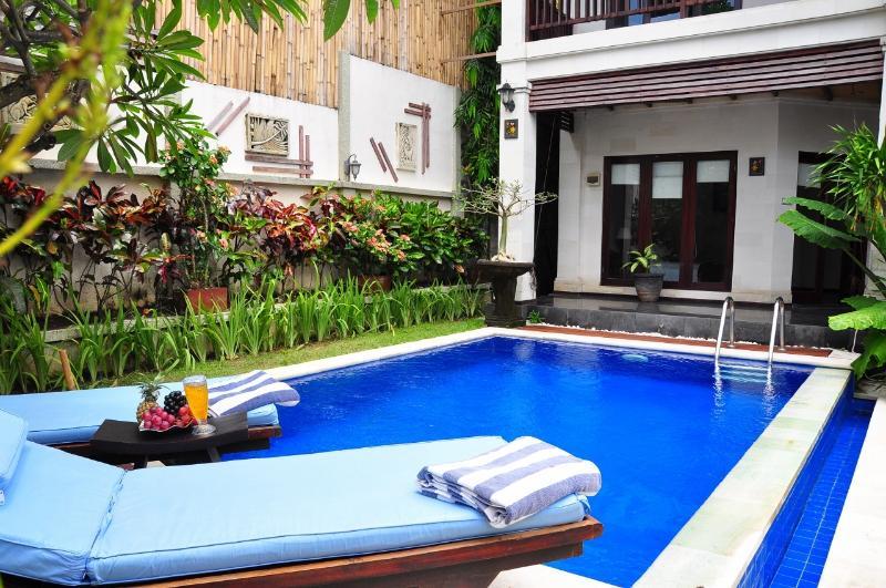 Amazing outdoor swimming pool