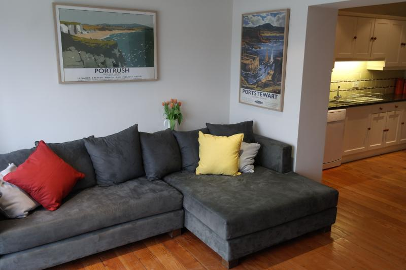 Stretch out on the super-sized sofa in the snug with flat screen tv, dvd and free wifi