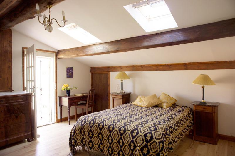 Top double bedroom with en-suite bathroom