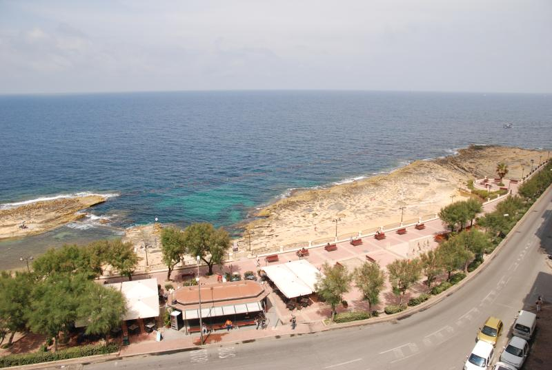 3 Bedroom apartment, vacation rental in Mqabba