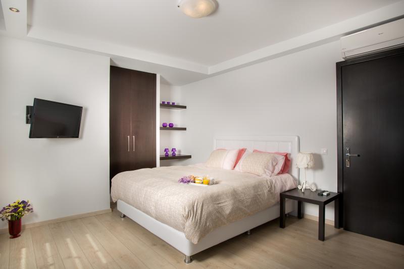 Master Bedroom, Villa Aphrodite, LAHANIA BEACH VILLAS