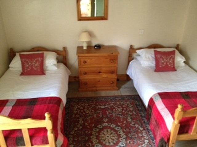 Habitación doble, que tiene espacio para una cama adicional