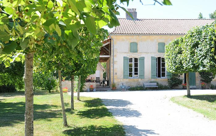 La Maison, holiday rental in Peyriere