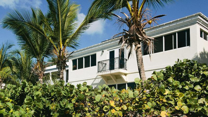 THREE PALMS STJOHN WATERFRONT VILLA WALKING DISTANCE TO CRUZ BAY
