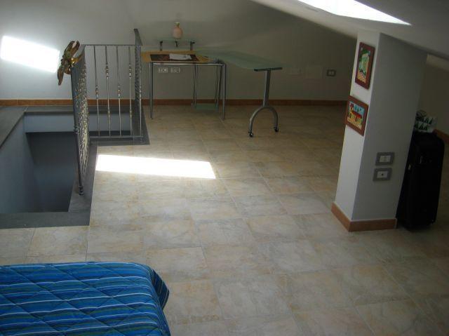 Bedroom (3rd floor)