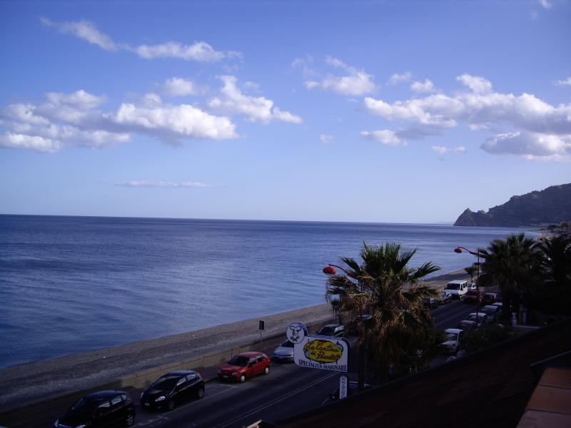 Vacation Rental in Sicily ap.C, holiday rental in Casalvecchio Siculo