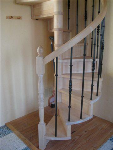 Spiral Staircase to bedrooms