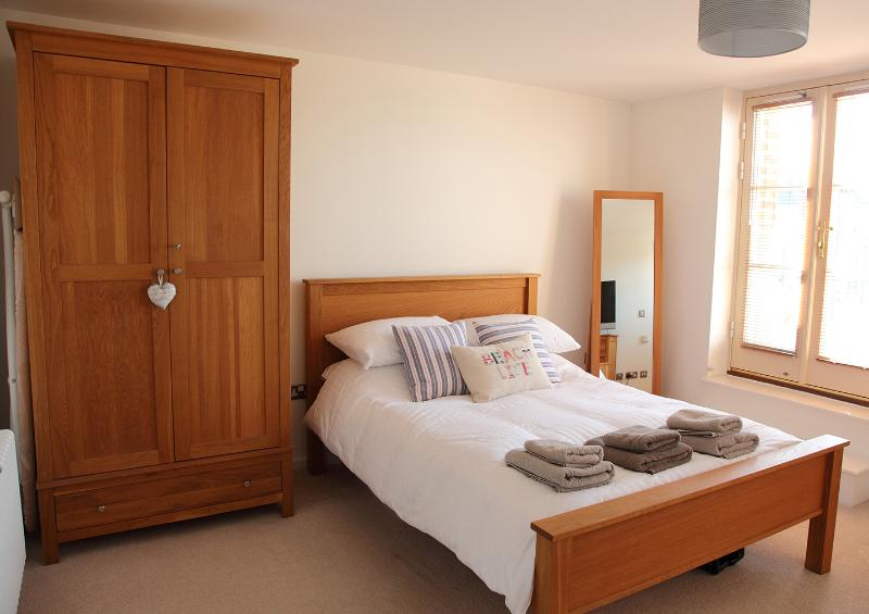 Main double bedroom with ensuite shower/w.c.