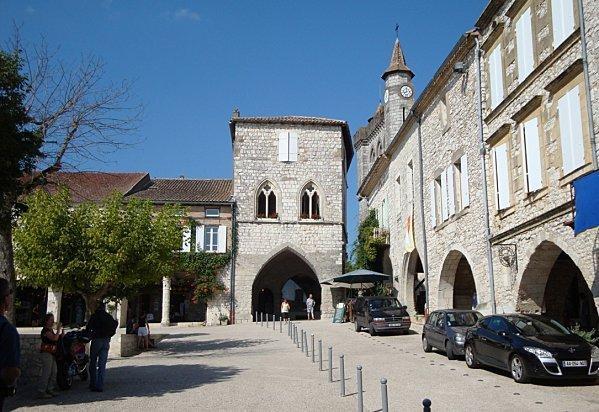 Place des Arcades, Monflanquin