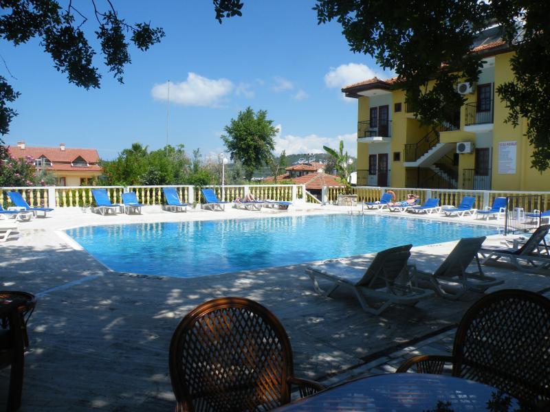 Shade at Koseoglu poolside