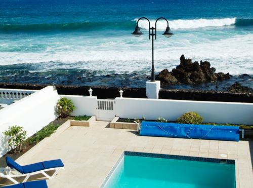 RocaMar, a seafront villa, vacation rental in Los Valles