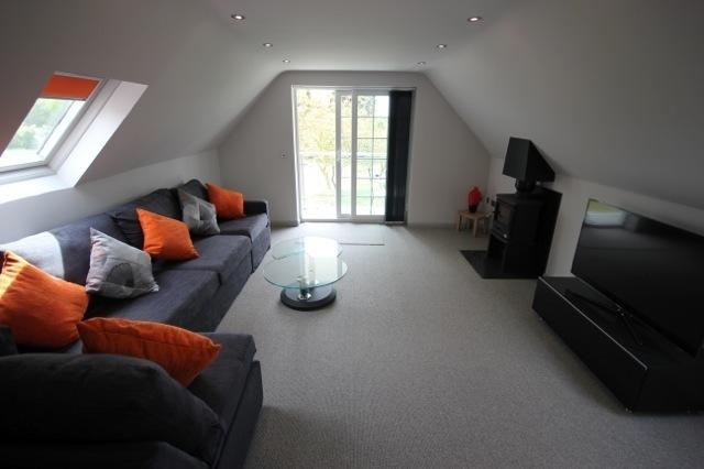Flintstone Cottages The Loft Can Sleep An Additional 2 Guests, holiday rental in Chichester