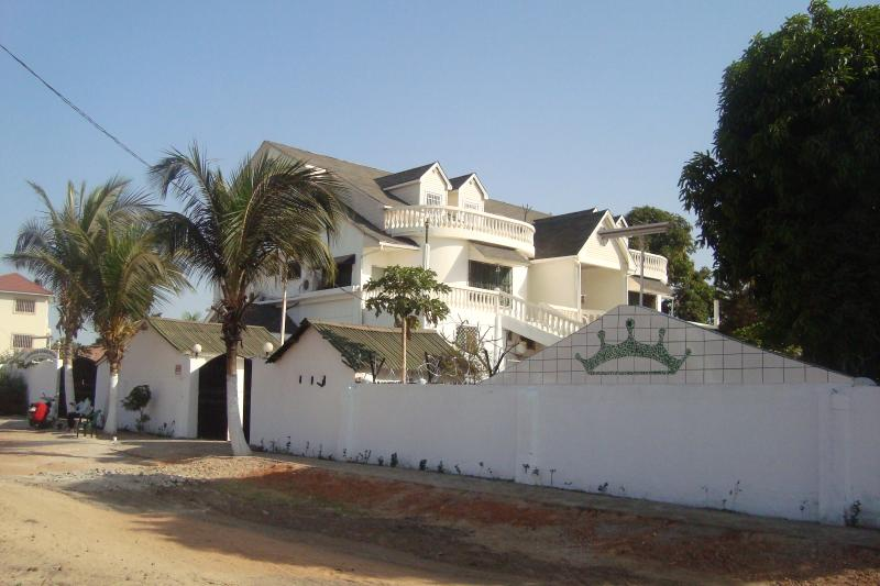# 6 Senegambia area,in Kerr Serign.one bedroom, location de vacances à Division de la côte ouest