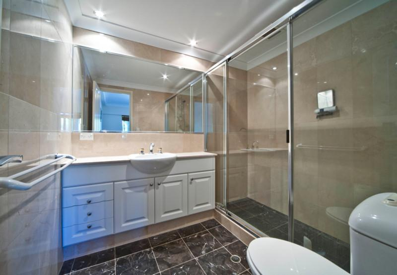2 beautiful marble bathrooms