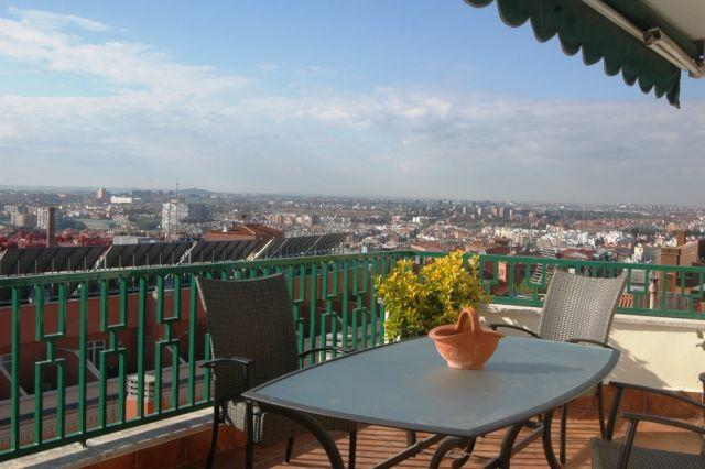 Atico Latina, vacation rental in Madrid