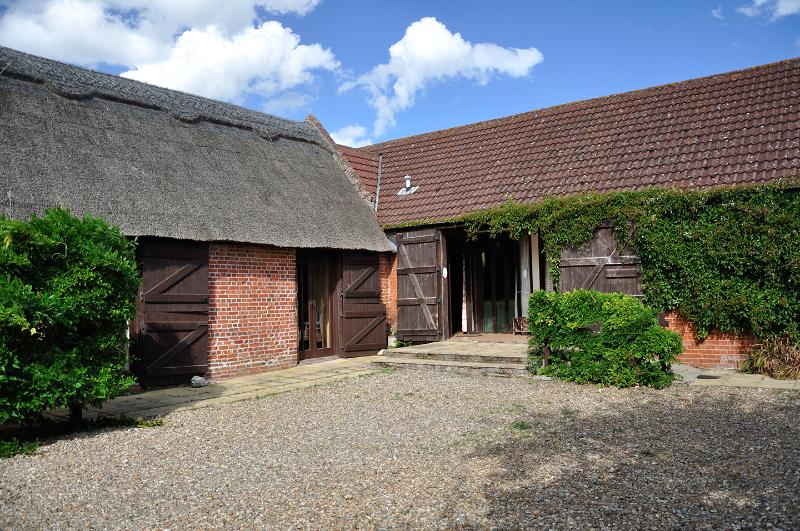 Grove Barn Cottages and games room