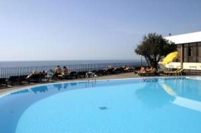 Habitaciones en apartamento..., holiday rental in Funchal