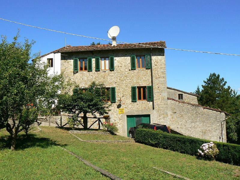 Castagni d'Oro B&B, vacation rental in Boveglio