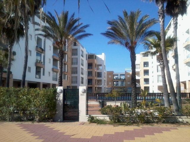 Urbanizacion El Espigon, enprimera liebea de playa, piscinas,padel, vigilancia y chiringuito social.