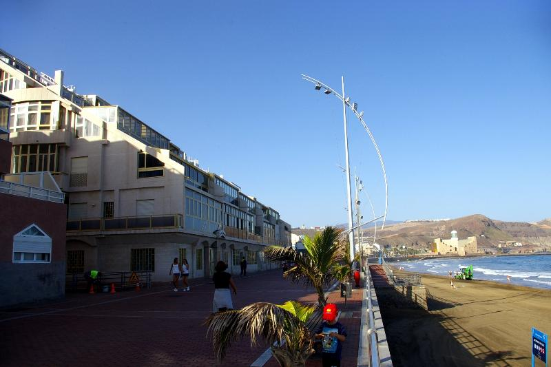 View of the building from the Promenade of Las Canteras beach