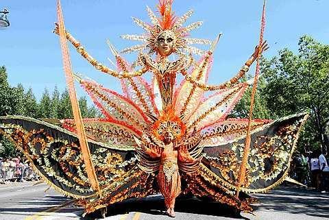 BARRIO resaltar - indias occidentales-americano - día - desfile