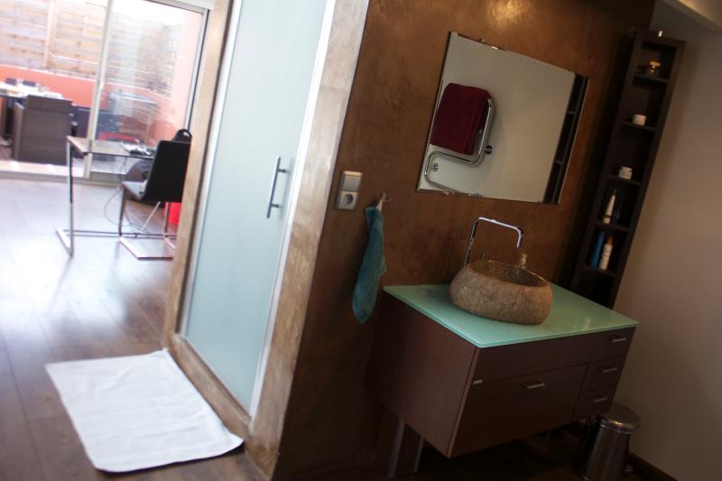 Luxurious shower unit