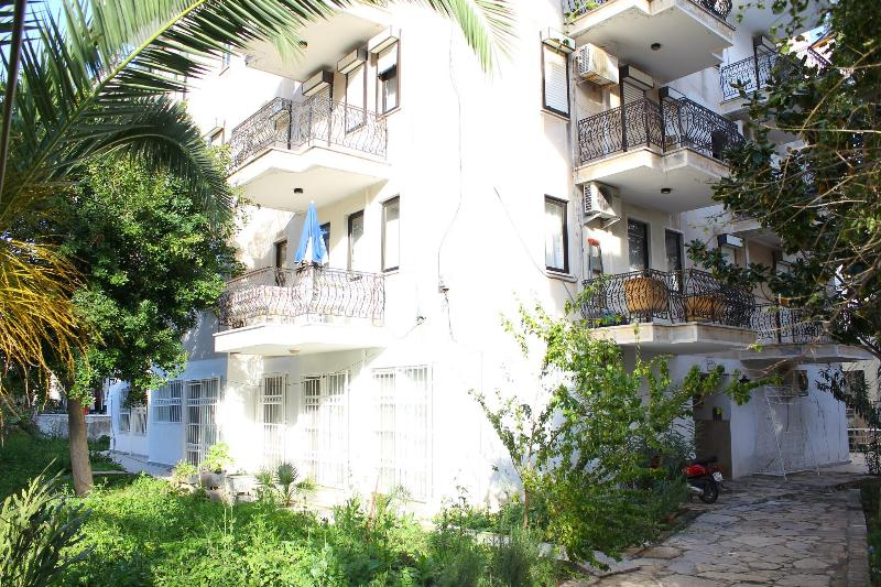 Cosy Flat 3mins from the BEACH - Recently Refurbished, holiday rental in Marmaris
