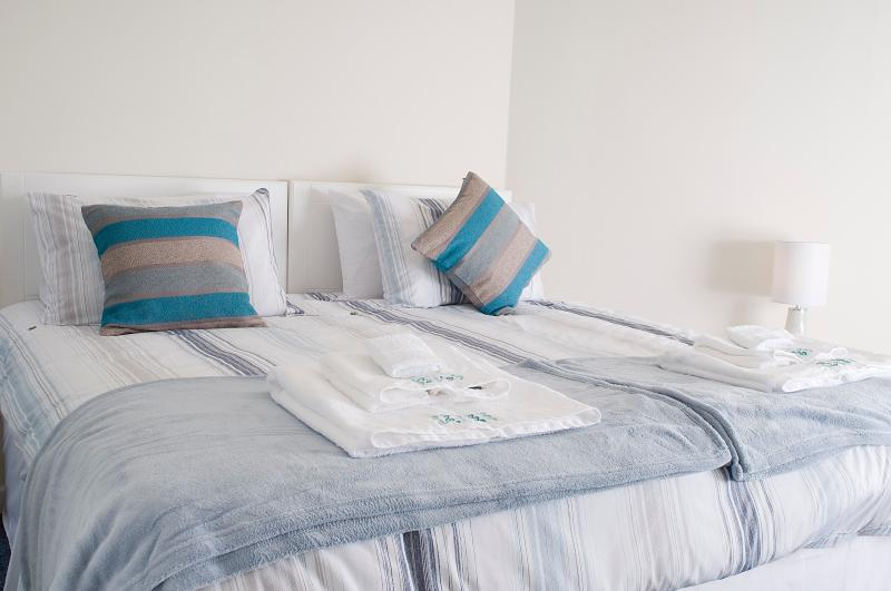 King bed to rest your tired legs after a walk along the beach or a game of golf