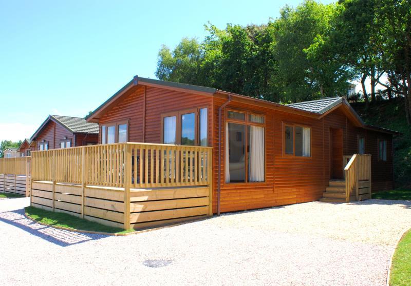 Example of a luxury 6 berth Lodge ay Hazelwood Park