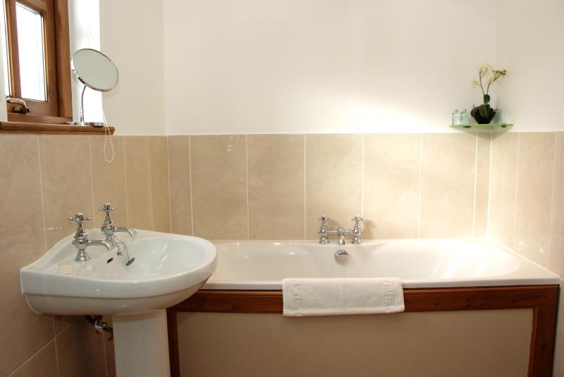 Treat yourself in our relaxing Jacuzzi bath