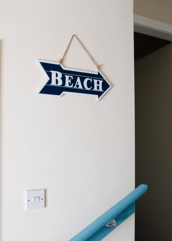 Which way to the beach??
