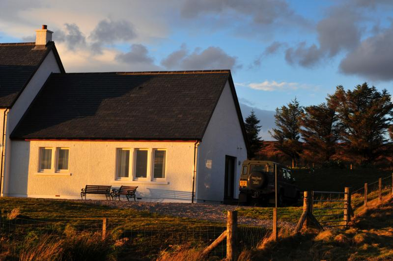 Beinn Edra Cottage. With stunning sea & mountain Views.