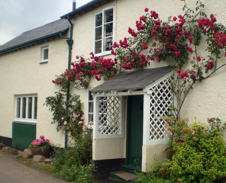 Forge Holiday Cottage, holiday rental in Porlock