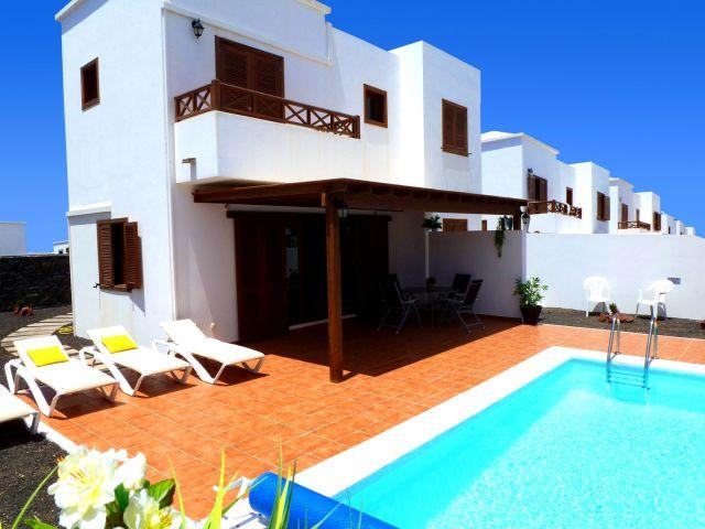 Beautiful detached villa with air conditioning and private WiFi.Piscina and tasteful decoration. Parking