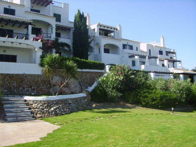 Apartamento en Menorca. Fantasticas vistas panoramicas desde la terraza, holiday rental in Cala d'Alcaufar