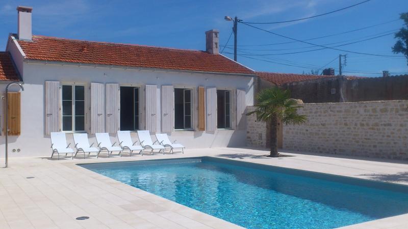 La maison du Parour : extérieur / outside 3