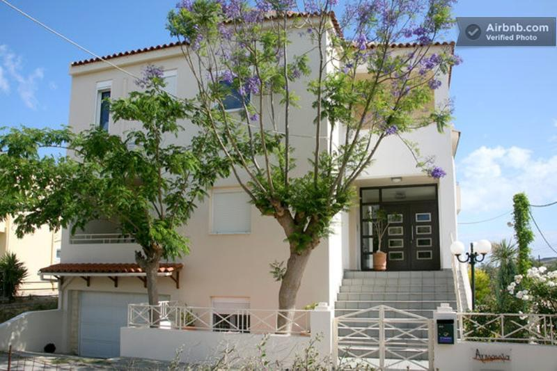 ARMONIA APARTMENTS-3, holiday rental in Almyrida