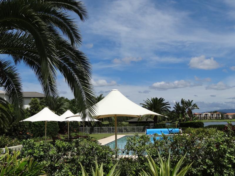 Resort Style Living On Hope Island