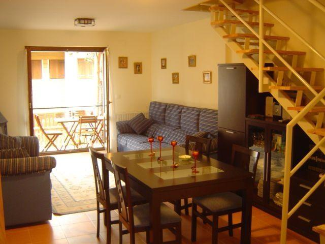 Duplex para 6 pax, holiday rental in Canfranc