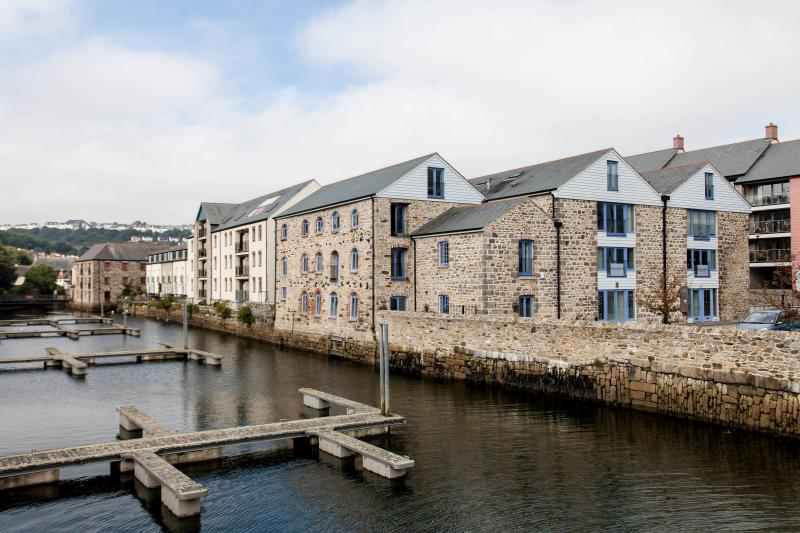 Anchor Warehouse - a 5 Star apartment in Falmouth