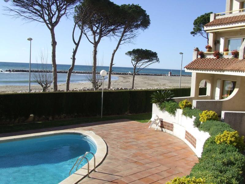 Apartamentos Dorada Mar, vacation rental in Riudecanyes