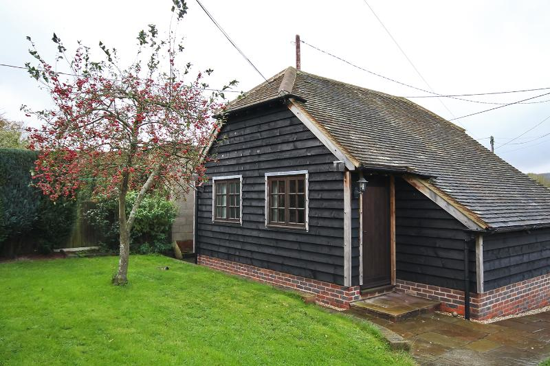 Little Byre, holiday rental in Haslemere
