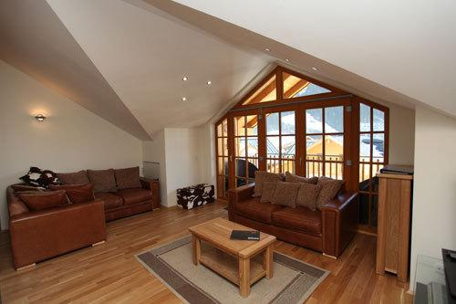 Lounge Overlooking Slopes