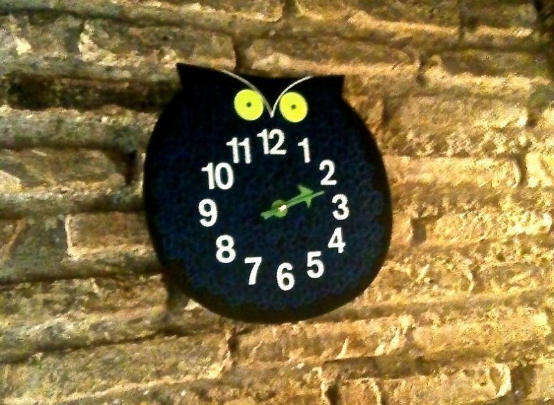 The clock-owl or the owl-clock?