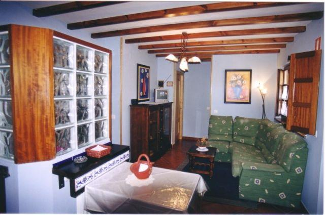 Cuélebre - Apartamentos Rurales Casa Caleya, aluguéis de temporada em Valdepares