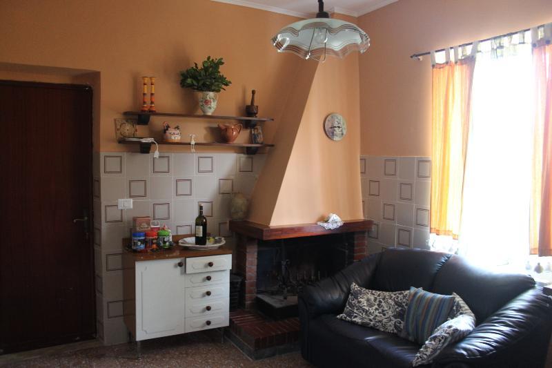 fireplace/sofa