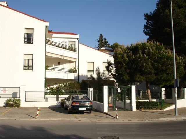 Main building (ground floor apt)